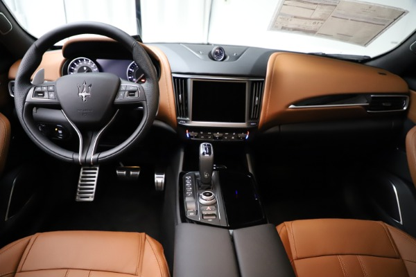 New 2021 Maserati Levante Q4 GranSport for sale Sold at Bentley Greenwich in Greenwich CT 06830 15