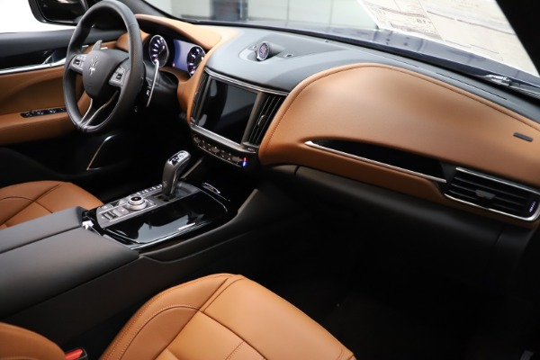New 2021 Maserati Levante Q4 GranSport for sale Sold at Bentley Greenwich in Greenwich CT 06830 17