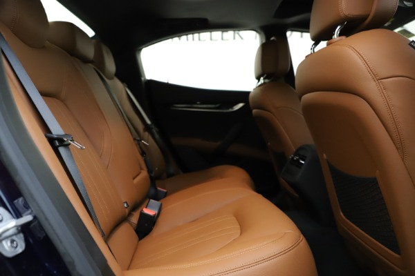 New 2021 Maserati Ghibli S Q4 for sale $90,925 at Bentley Greenwich in Greenwich CT 06830 24