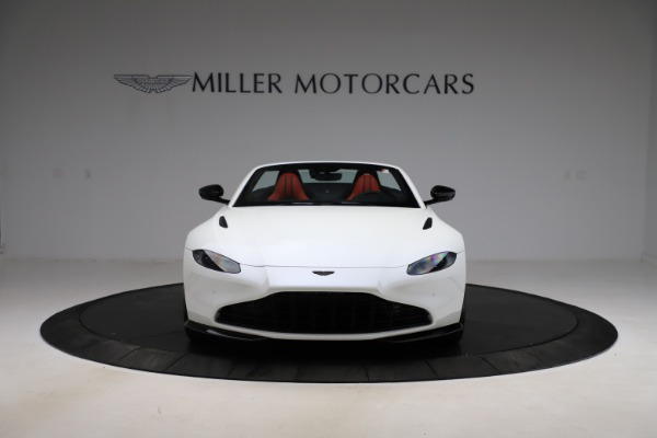 New 2021 Aston Martin Vantage Roadster Convertible for sale $189,186 at Bentley Greenwich in Greenwich CT 06830 11