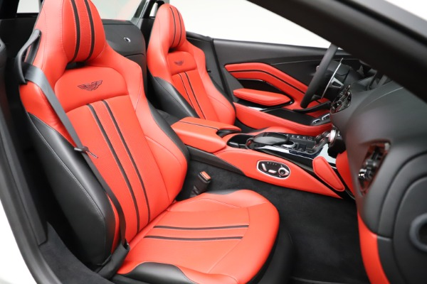 New 2021 Aston Martin Vantage Roadster Convertible for sale $189,186 at Bentley Greenwich in Greenwich CT 06830 20