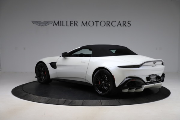 New 2021 Aston Martin Vantage Roadster Convertible for sale $189,186 at Bentley Greenwich in Greenwich CT 06830 23