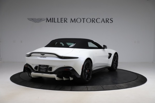New 2021 Aston Martin Vantage Roadster Convertible for sale $189,186 at Bentley Greenwich in Greenwich CT 06830 24