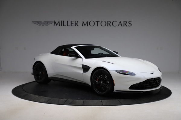 New 2021 Aston Martin Vantage Roadster Convertible for sale $189,186 at Bentley Greenwich in Greenwich CT 06830 26