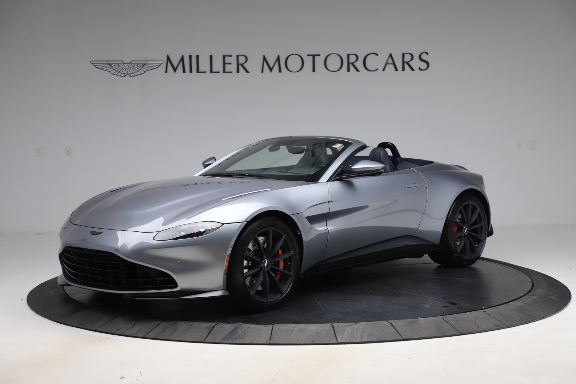 New 2021 Aston Martin Vantage Roadster Convertible for sale $199,285 at Bentley Greenwich in Greenwich CT 06830 1