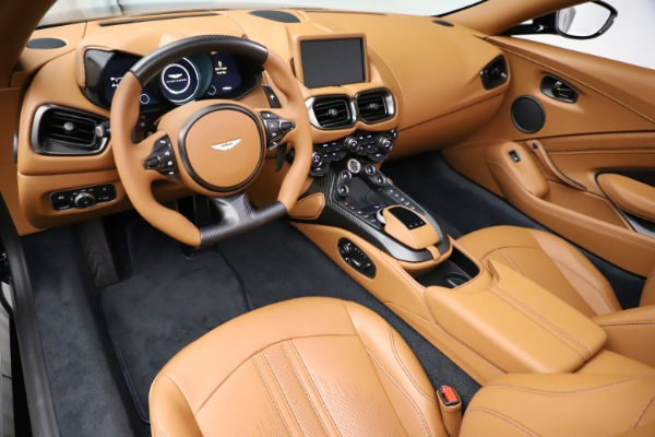 New 2021 Aston Martin Vantage Roadster Convertible for sale $205,686 at Bentley Greenwich in Greenwich CT 06830 13
