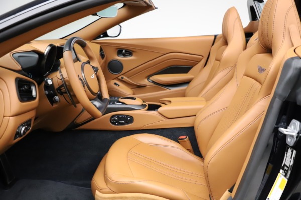 New 2021 Aston Martin Vantage Roadster Convertible for sale $205,686 at Bentley Greenwich in Greenwich CT 06830 14