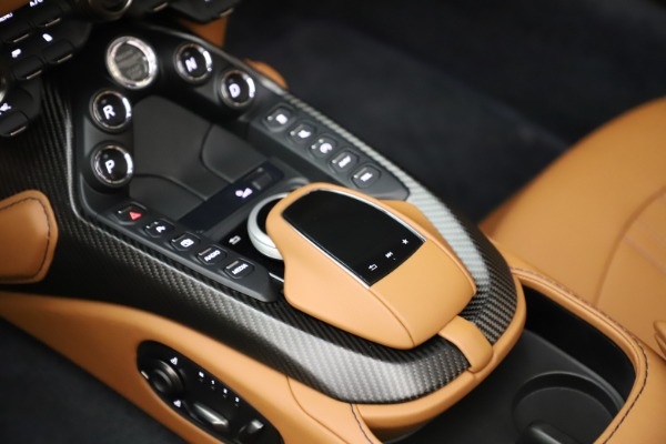 New 2021 Aston Martin Vantage Roadster Convertible for sale $205,686 at Bentley Greenwich in Greenwich CT 06830 18
