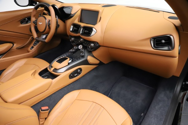New 2021 Aston Martin Vantage Roadster Convertible for sale $205,686 at Bentley Greenwich in Greenwich CT 06830 19