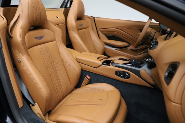New 2021 Aston Martin Vantage Roadster Convertible for sale $205,686 at Bentley Greenwich in Greenwich CT 06830 21