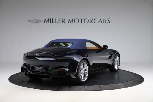 New 2021 Aston Martin Vantage Roadster Convertible for sale $205,686 at Bentley Greenwich in Greenwich CT 06830 27
