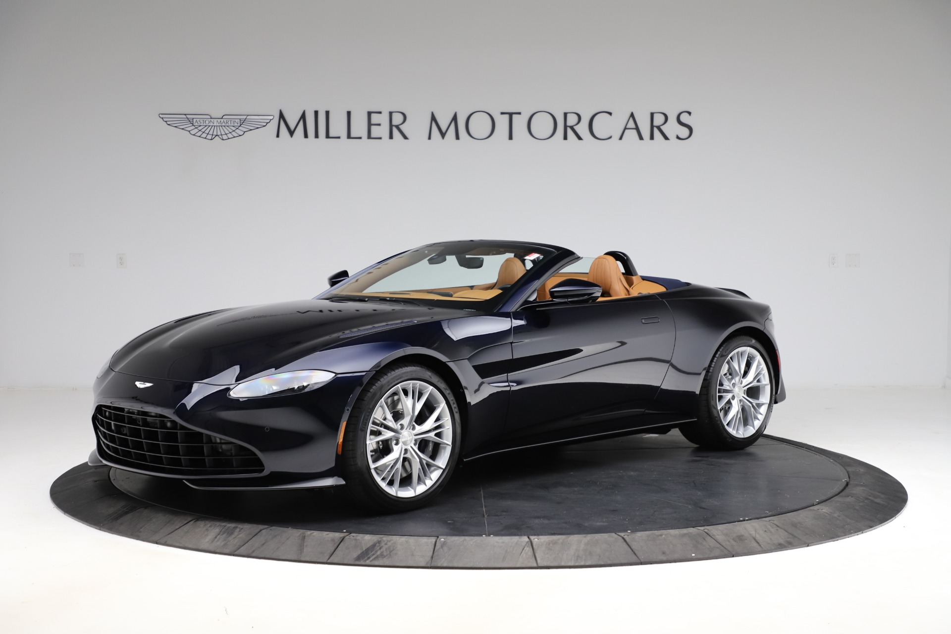 New 2021 Aston Martin Vantage Roadster Convertible for sale $205,686 at Bentley Greenwich in Greenwich CT 06830 1