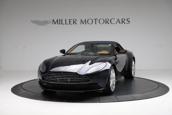New 2021 Aston Martin DB11 Volante for sale $265,186 at Bentley Greenwich in Greenwich CT 06830 25