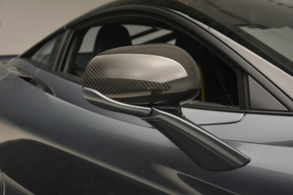 Used 2018 McLaren 720S Performance for sale $234,900 at Bentley Greenwich in Greenwich CT 06830 25