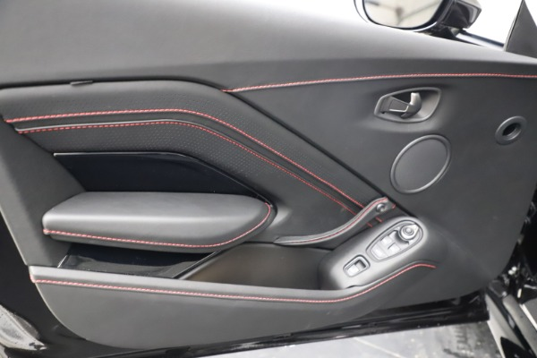 New 2021 Aston Martin Vantage Roadster Convertible for sale $189,186 at Bentley Greenwich in Greenwich CT 06830 16