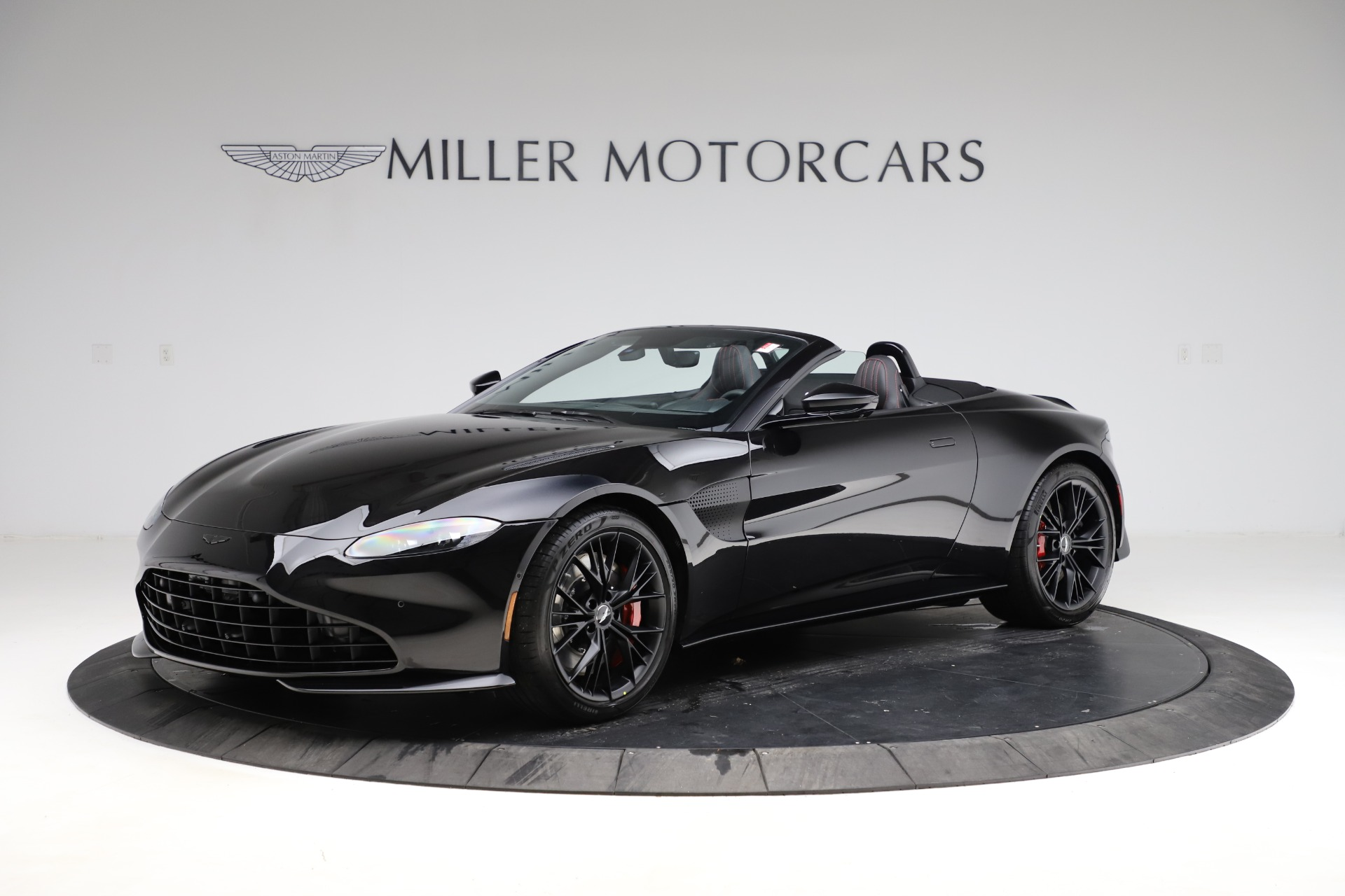 New 2021 Aston Martin Vantage Roadster for sale $189,186 at Bentley Greenwich in Greenwich CT 06830 1