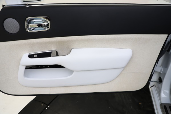 Used 2014 Rolls-Royce Wraith for sale Call for price at Bentley Greenwich in Greenwich CT 06830 25