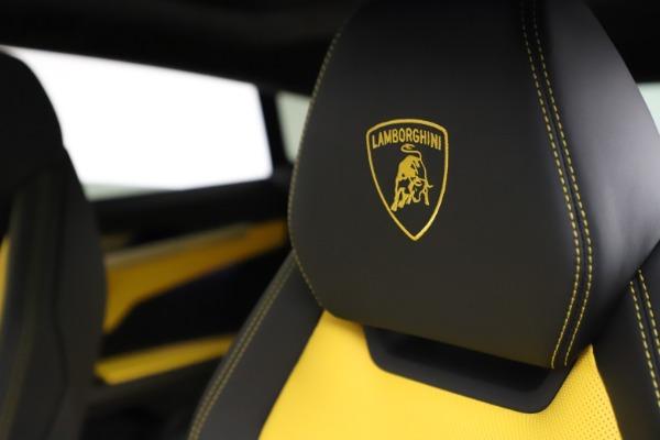 Used 2019 Lamborghini Urus for sale $249,900 at Bentley Greenwich in Greenwich CT 06830 17