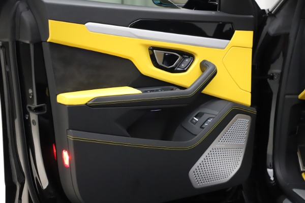 Used 2019 Lamborghini Urus for sale $249,900 at Bentley Greenwich in Greenwich CT 06830 20