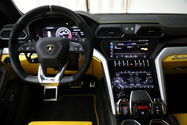 Used 2019 Lamborghini Urus for sale $249,900 at Bentley Greenwich in Greenwich CT 06830 23