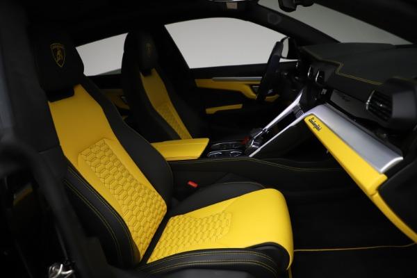 Used 2019 Lamborghini Urus for sale $249,900 at Bentley Greenwich in Greenwich CT 06830 25