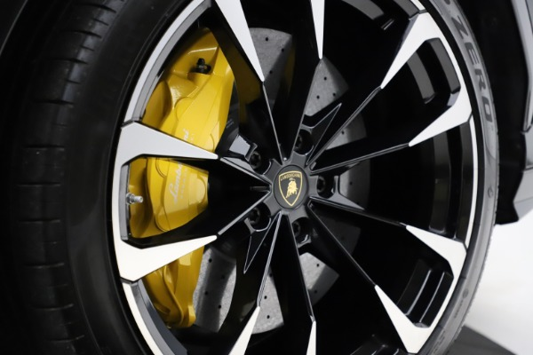 Used 2019 Lamborghini Urus for sale $249,900 at Bentley Greenwich in Greenwich CT 06830 28