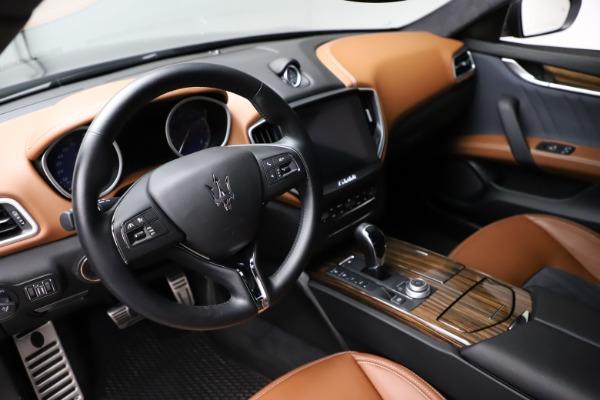 Used 2018 Maserati Ghibli SQ4 GranLusso for sale $51,900 at Bentley Greenwich in Greenwich CT 06830 13