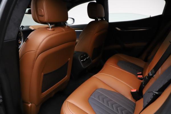 Used 2018 Maserati Ghibli SQ4 GranLusso for sale $51,900 at Bentley Greenwich in Greenwich CT 06830 17