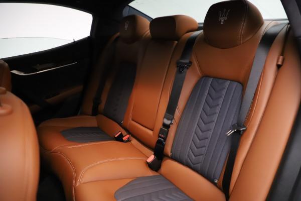 Used 2018 Maserati Ghibli SQ4 GranLusso for sale $51,900 at Bentley Greenwich in Greenwich CT 06830 19