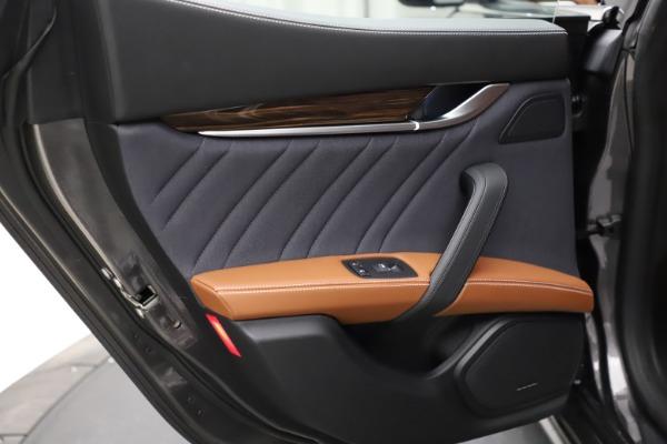 Used 2018 Maserati Ghibli SQ4 GranLusso for sale $51,900 at Bentley Greenwich in Greenwich CT 06830 20