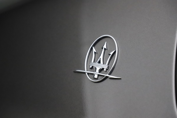 Used 2018 Maserati Ghibli SQ4 GranLusso for sale $51,900 at Bentley Greenwich in Greenwich CT 06830 26