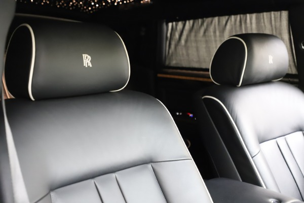 Used 2015 Rolls-Royce Phantom EWB for sale $289,900 at Bentley Greenwich in Greenwich CT 06830 11