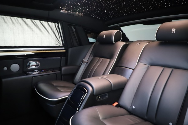 Used 2015 Rolls-Royce Phantom EWB for sale $289,900 at Bentley Greenwich in Greenwich CT 06830 14