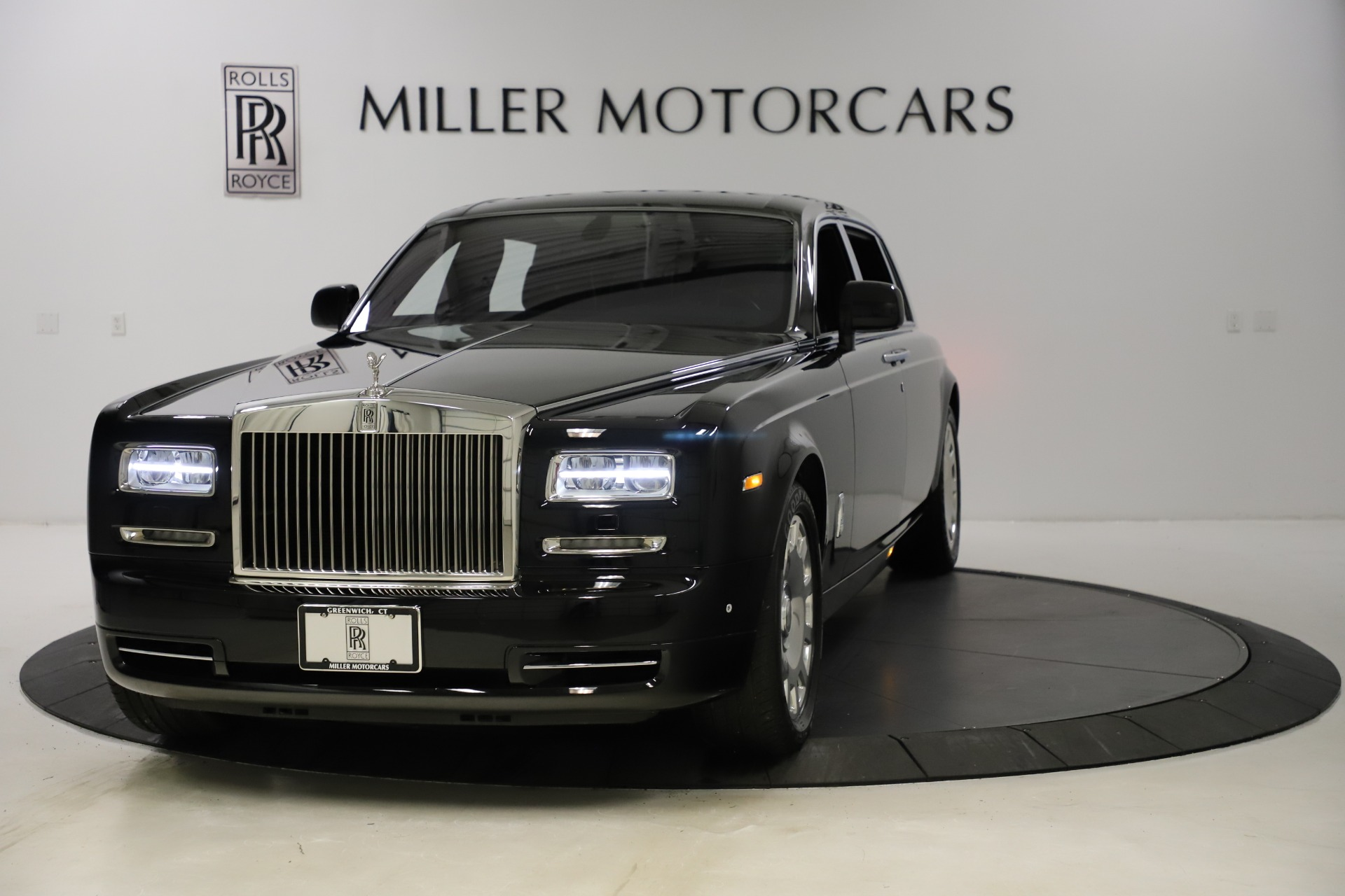 Used 2015 Rolls-Royce Phantom EWB for sale $289,900 at Bentley Greenwich in Greenwich CT 06830 1