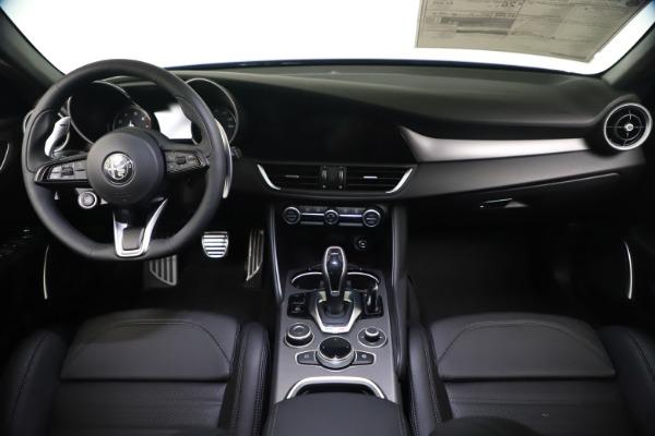 New 2021 Alfa Romeo Giulia Ti Sport Q4 for sale $52,100 at Bentley Greenwich in Greenwich CT 06830 16