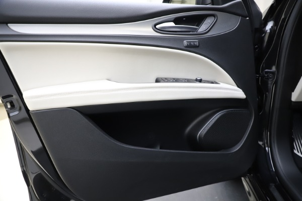 New 2021 Alfa Romeo Stelvio Ti Sport Q4 for sale Sold at Bentley Greenwich in Greenwich CT 06830 17