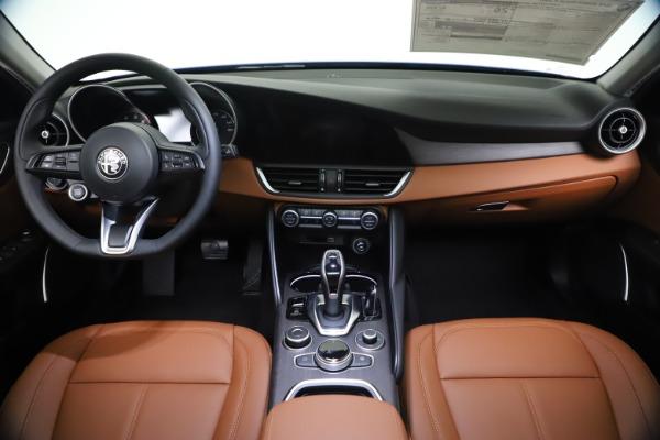 New 2021 Alfa Romeo Giulia Ti Q4 for sale $51,100 at Bentley Greenwich in Greenwich CT 06830 16