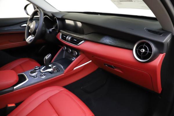 New 2021 Alfa Romeo Stelvio Q4 for sale $48,050 at Bentley Greenwich in Greenwich CT 06830 22