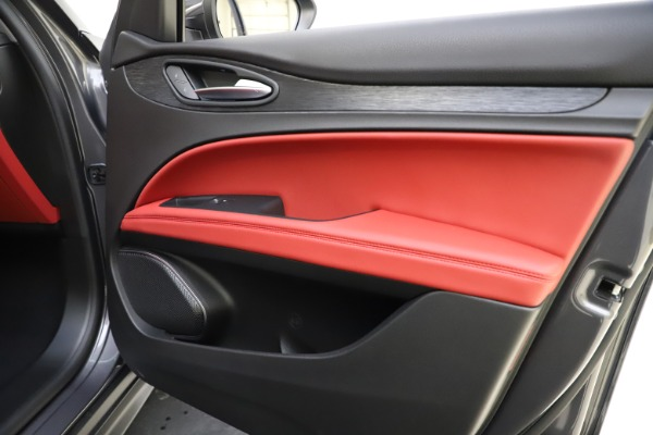 New 2021 Alfa Romeo Stelvio Q4 for sale $48,050 at Bentley Greenwich in Greenwich CT 06830 25