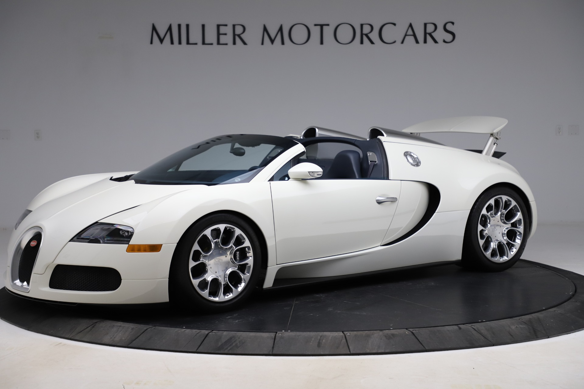Used 2010 Bugatti Veyron 16.4 Grand Sport for sale Call for price at Bentley Greenwich in Greenwich CT 06830 1