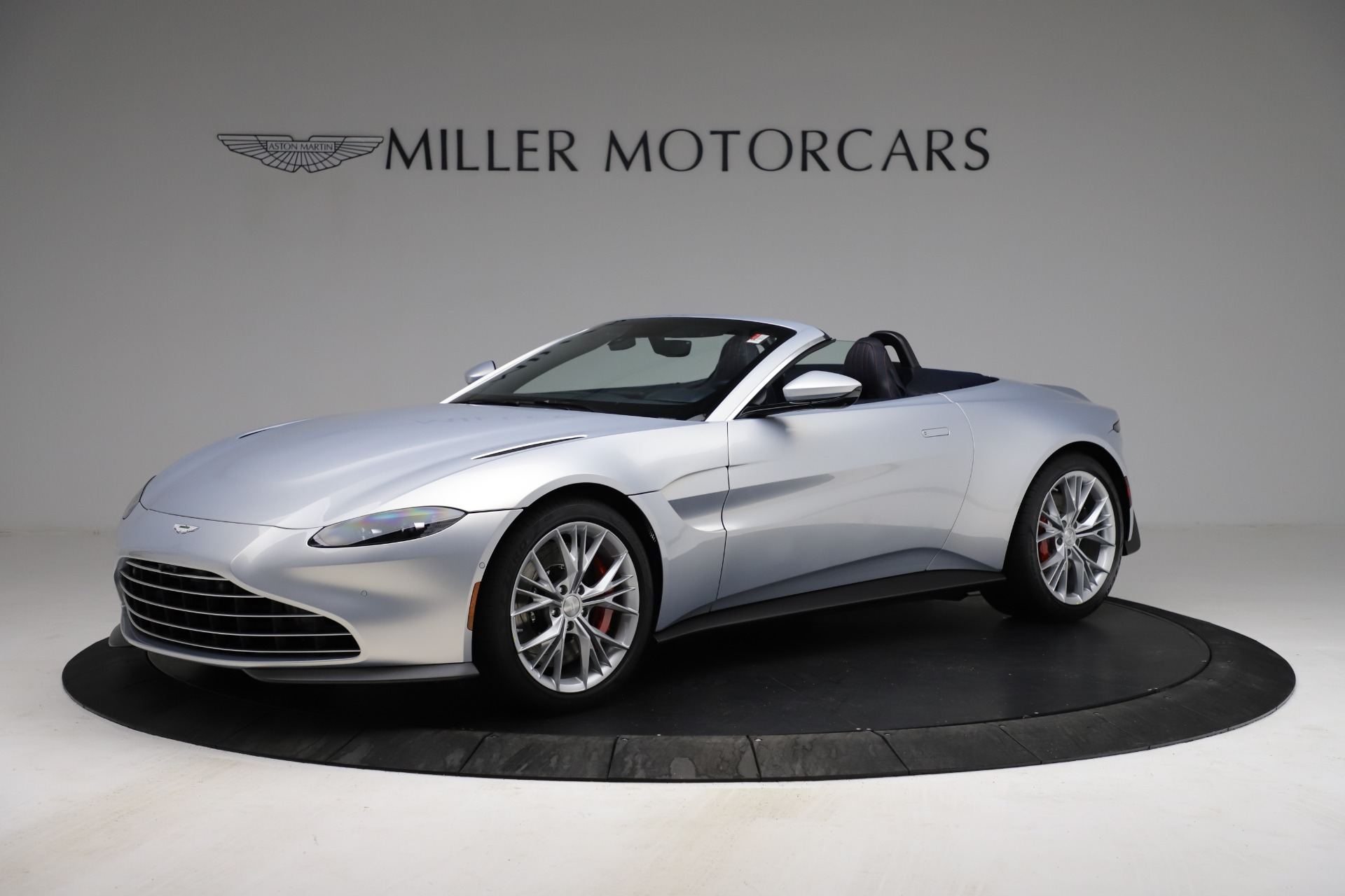 New 2021 Aston Martin Vantage Roadster for sale $184,286 at Bentley Greenwich in Greenwich CT 06830 1