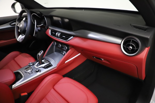 New 2021 Alfa Romeo Stelvio Ti Sport Q4 for sale Sold at Bentley Greenwich in Greenwich CT 06830 22