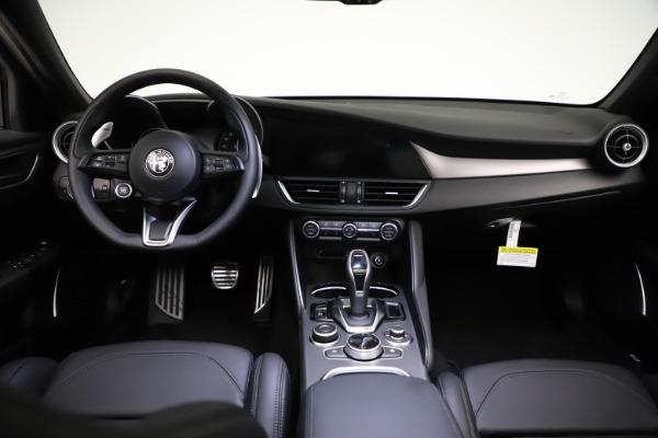 New 2021 Alfa Romeo Giulia Ti Sport Q4 for sale $53,850 at Bentley Greenwich in Greenwich CT 06830 17