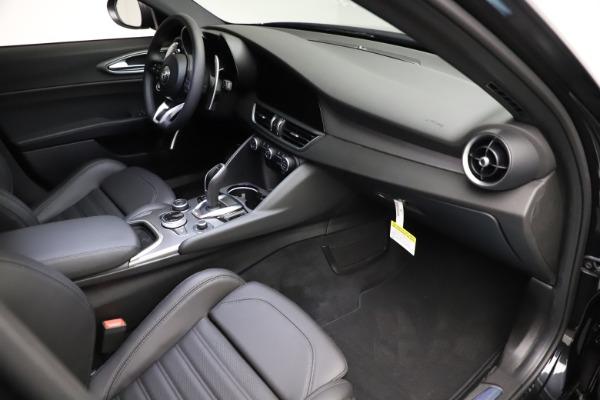 New 2021 Alfa Romeo Giulia Ti Sport Q4 for sale $53,850 at Bentley Greenwich in Greenwich CT 06830 19