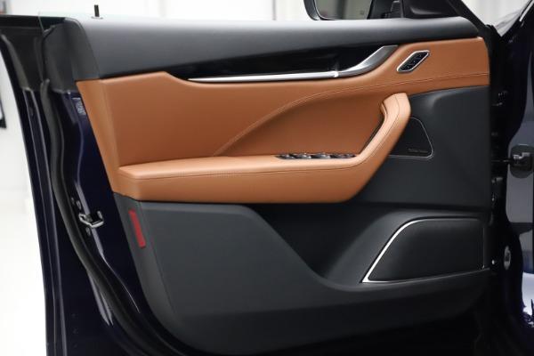 New 2021 Maserati Levante S Q4 for sale $98,925 at Bentley Greenwich in Greenwich CT 06830 11