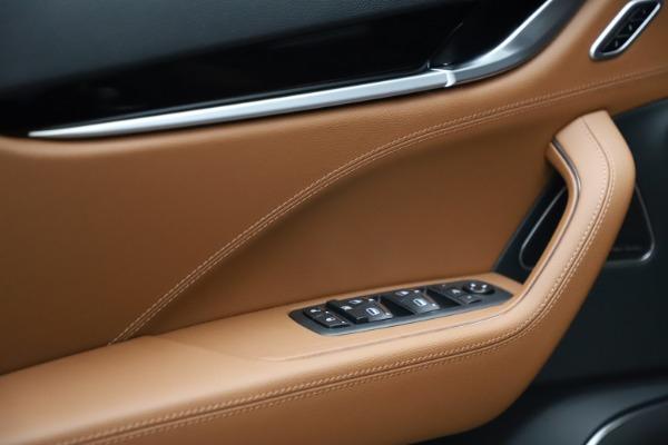 New 2021 Maserati Levante S Q4 for sale $98,925 at Bentley Greenwich in Greenwich CT 06830 12