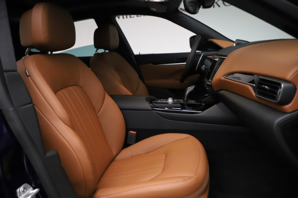 New 2021 Maserati Levante S Q4 for sale $98,925 at Bentley Greenwich in Greenwich CT 06830 25