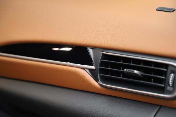 New 2021 Maserati Levante S Q4 for sale $98,925 at Bentley Greenwich in Greenwich CT 06830 27