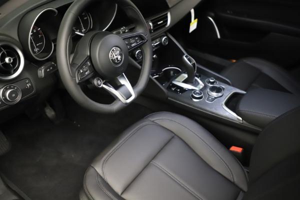 New 2021 Alfa Romeo Giulia Q4 for sale $41,662 at Bentley Greenwich in Greenwich CT 06830 13