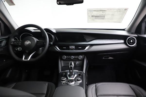 New 2021 Alfa Romeo Stelvio Q4 for sale $49,785 at Bentley Greenwich in Greenwich CT 06830 17